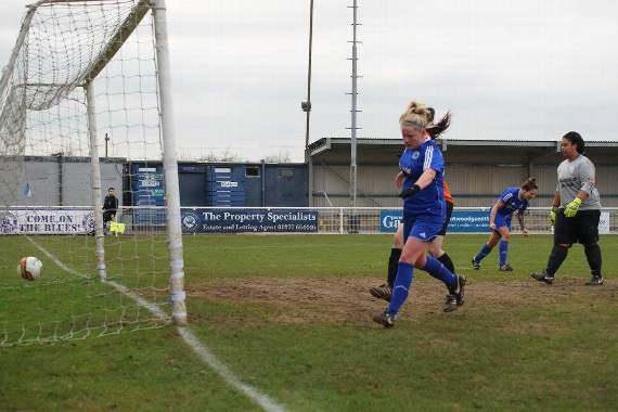 Billericay Town Ladies: In-form Town reach Essex County Cup final