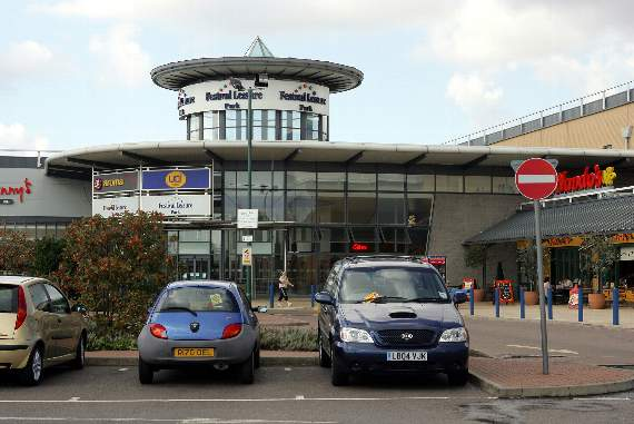 Essex Police launch probe after man smashed up car and then hijacked it from Basildon's Festival Leisure Park