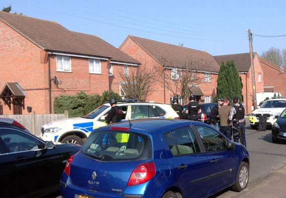 Police enter house in Somerset Road, Laindon
