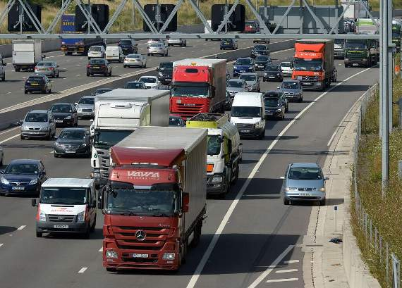 TRAFFIC: Accident causing delays on anticlockwise M25 between Junctions 25 and 26